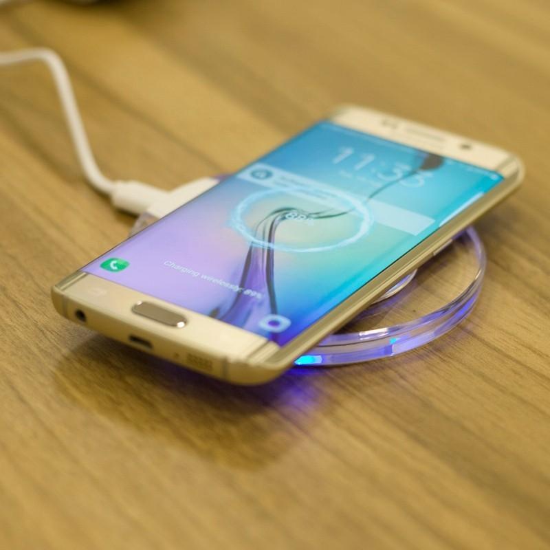 SAMSUNG безжично универсално зарядно за смартфони-докинг станция